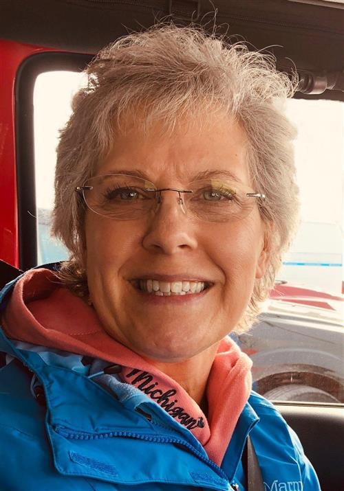 Lynn C Cash